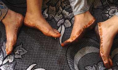 page de commande pour henna tattos pochoirs de pied de provenance du y m n et de la tunisie. Black Bedroom Furniture Sets. Home Design Ideas