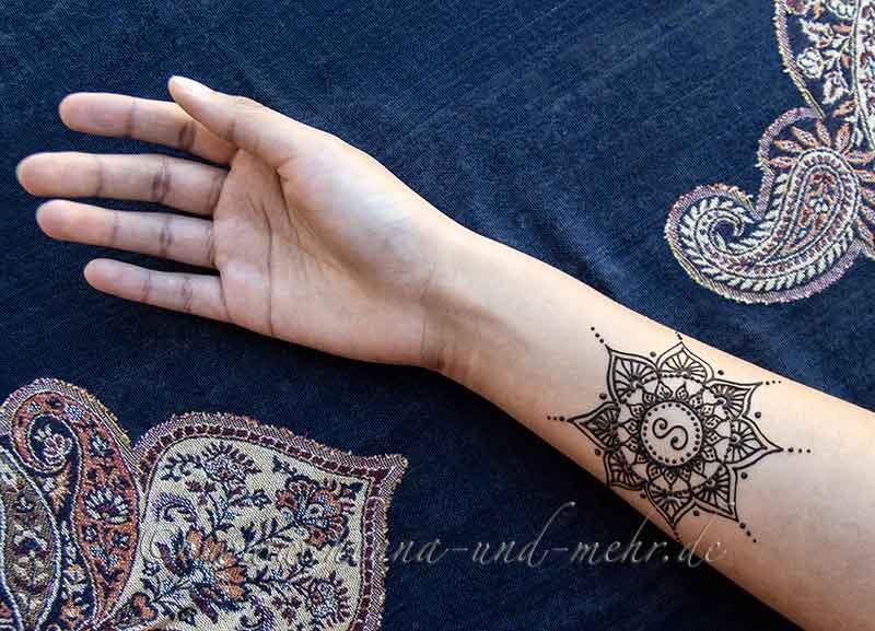 Henna Tattoo & Zubehör Berlin | Henna Kunst | Mehndi | Henna Malerei ...