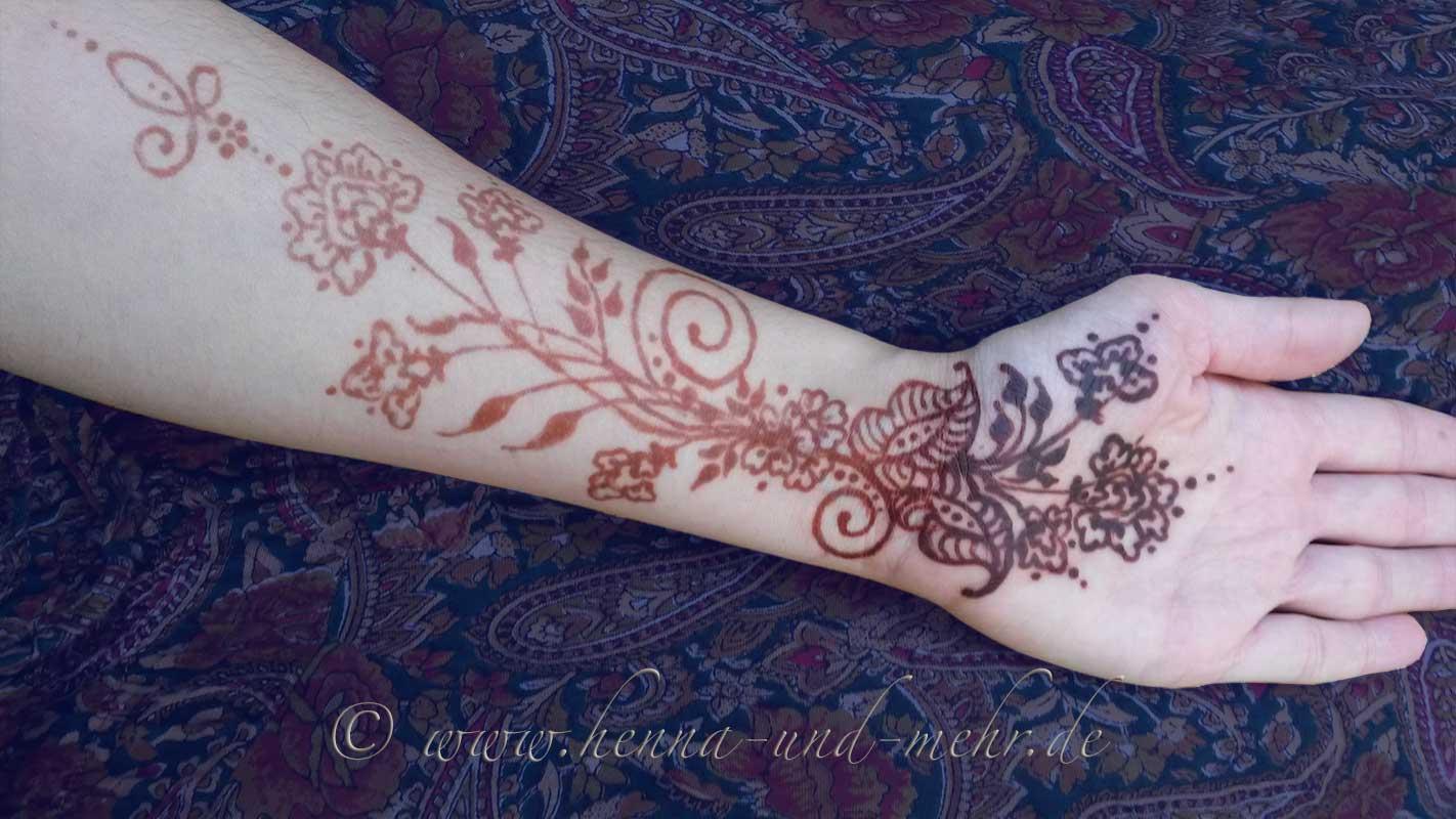 henna tattoo zubeh r berlin henna kunst mehndi henna malerei kunst am k rper henna. Black Bedroom Furniture Sets. Home Design Ideas
